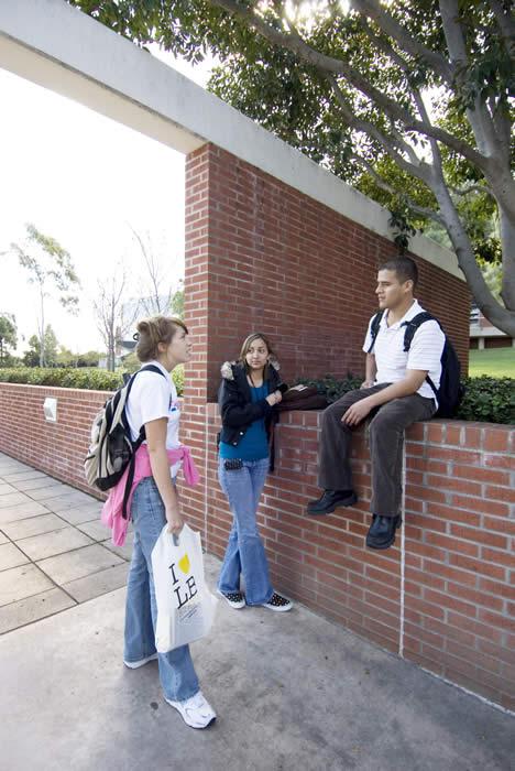 students in usu plaza