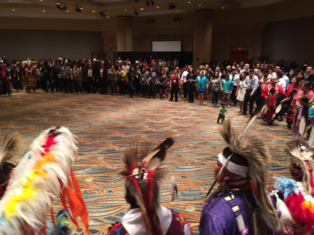 Hundreds of SACNAS participants join the Round Dance
